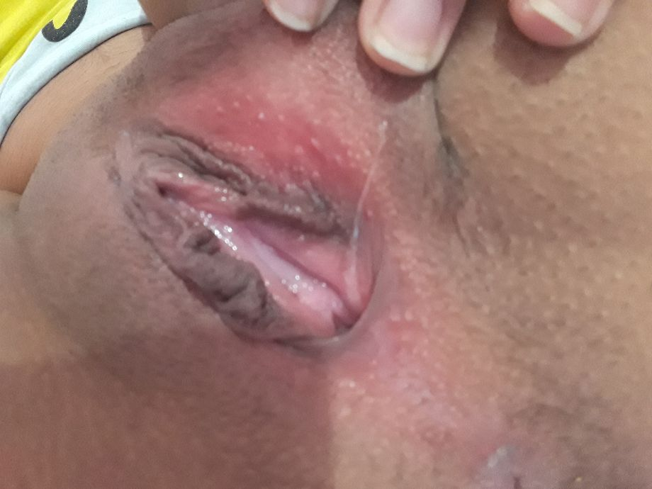 Esposa mostrando a lingua