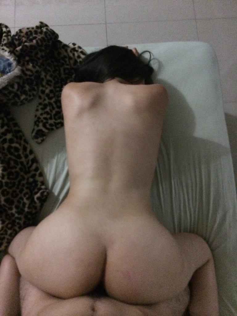 Casada Goza ao ver fotos Eróticas