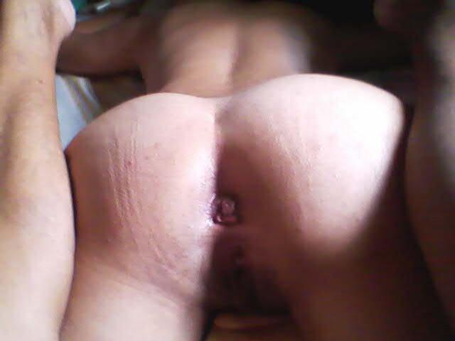 Coroa do cuzão gostoso adora sexo anal com homens bem dotados